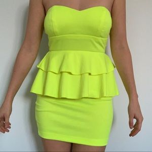 2B BEBE Neon Green Strapless Mini Dress